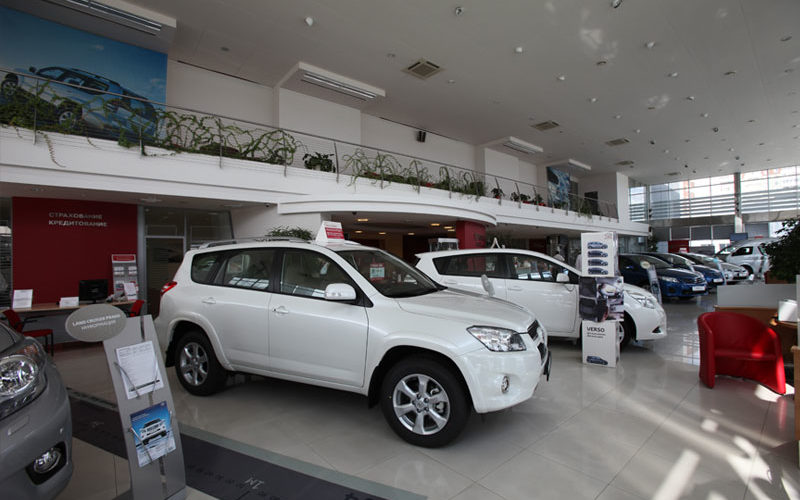 Car dealers number has dropped to a record low in Russia since 2011