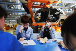 The government is discussing support measures for the automotive industry