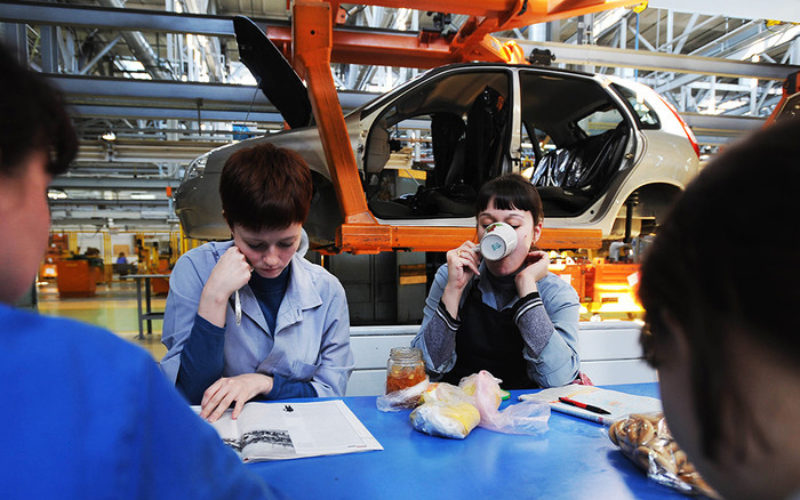The Russian government will subsidise KAMAZ and AVTOVAZ in order to protect employment