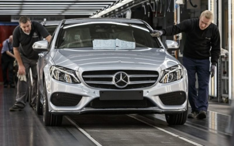 Daimler will invest €250 million in the Mercedes-Benz factory in on mclaren factory, honda factory, borgward factory, tatra factory, volkswagen factory, brach's candy factory, bentley motors factory, ducati factory, bmw factory, tekkit factory, toyota factory, audi factory, porsche factory, maybach factory, ferrari factory, yemen factory, lumber factory, clean factory, lamborghini factory, mercedes slk 350 battery location,