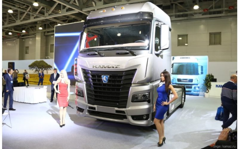 Daimler and Kamaz will begin the production of a new truck in 2019